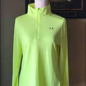 Under Armour Womens' Pullover Medium Loose Fit
